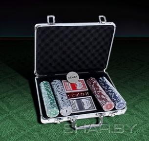 Игра Набор для покера: 200 фишек без номинала, 2 колоды карт, 5 кубиков
